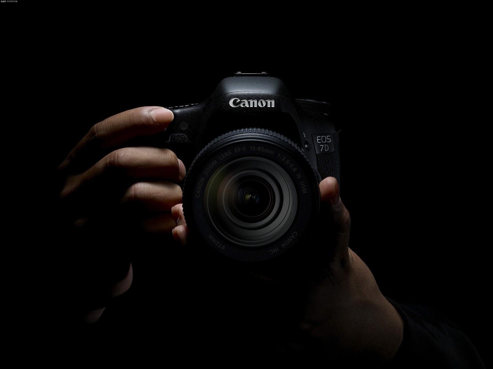 كاميرات التصوير الإحترافية
