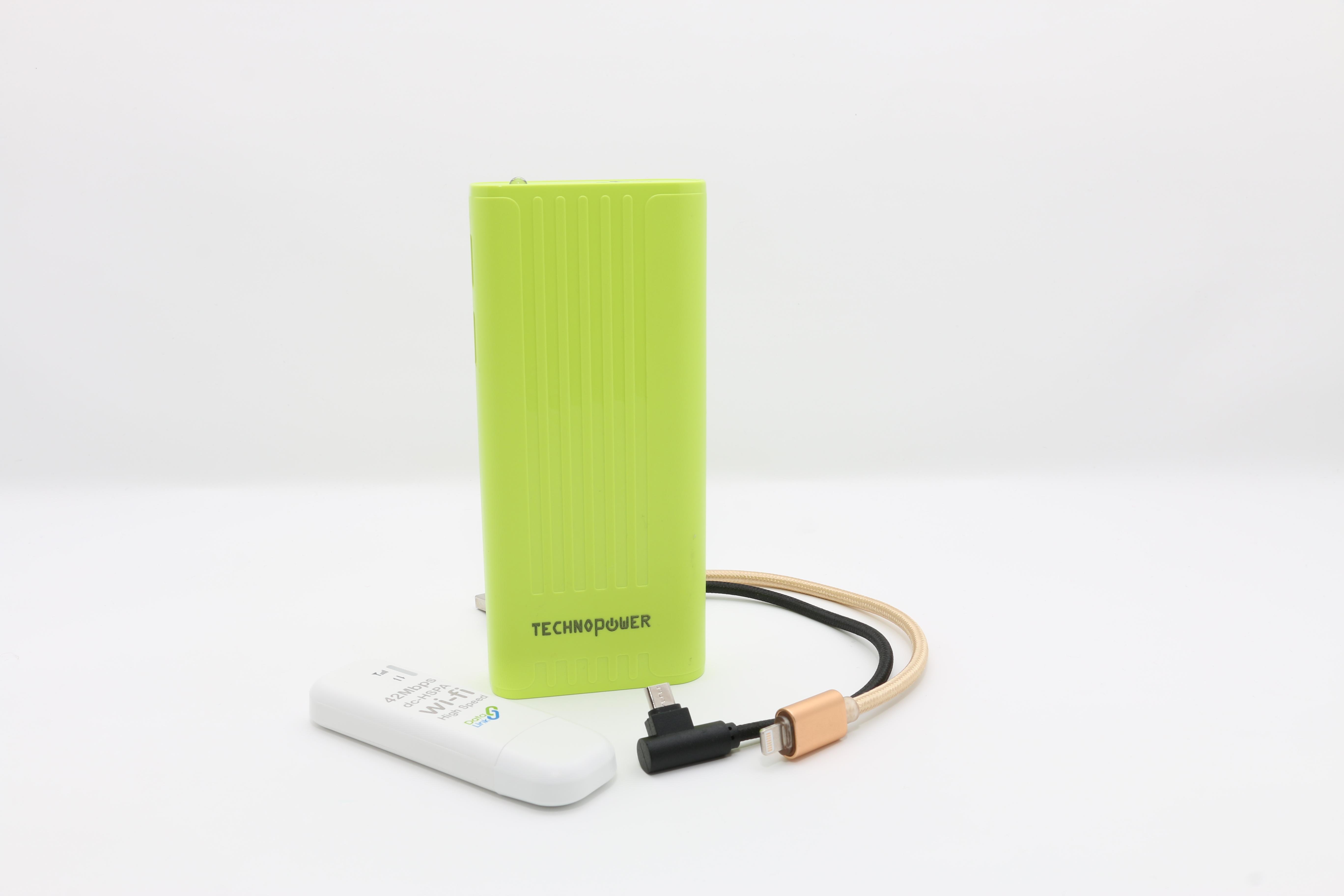 تكنو باور  بنك أخضر  سعة 10000 مللي أمبير مع راوتر - واي فاي USB