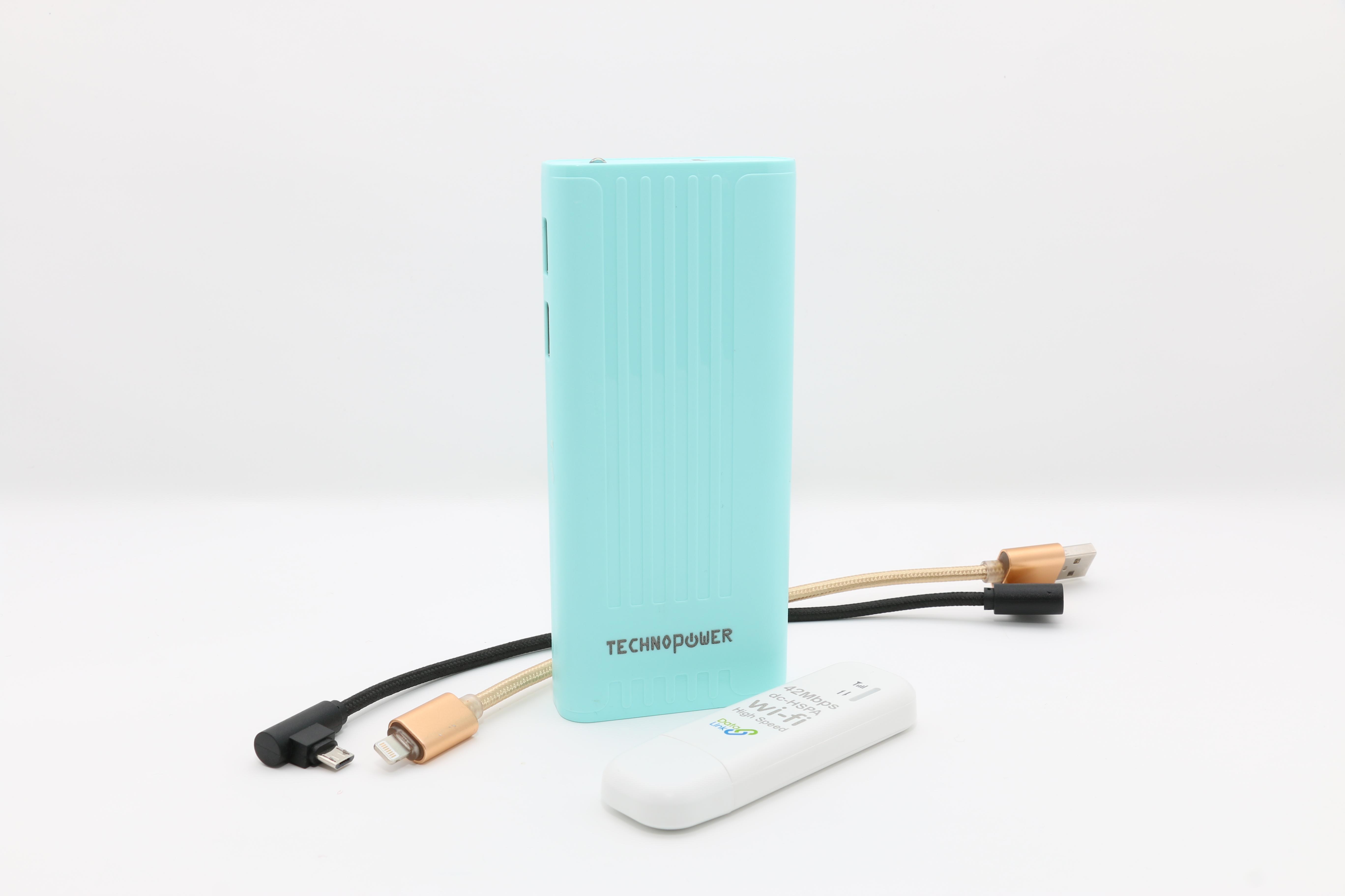 تكنو باور  بنك أزرق  سعة 10000 مللي أمبير مع راوتر - واي فاي USB