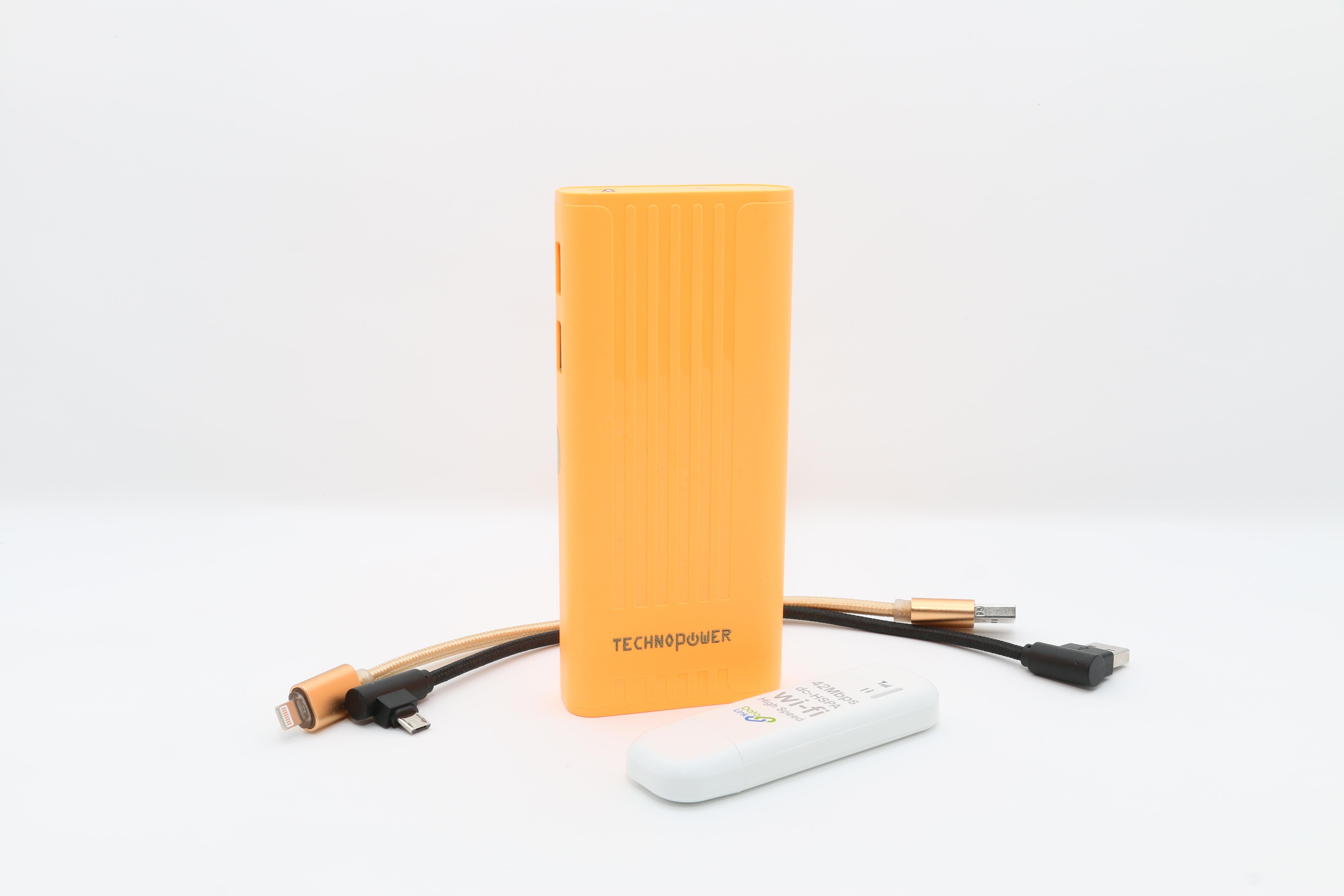 تكنو باور  بنك برتقالي سعة 10000 مللي أمبير مع راوتر - واي فاي USB